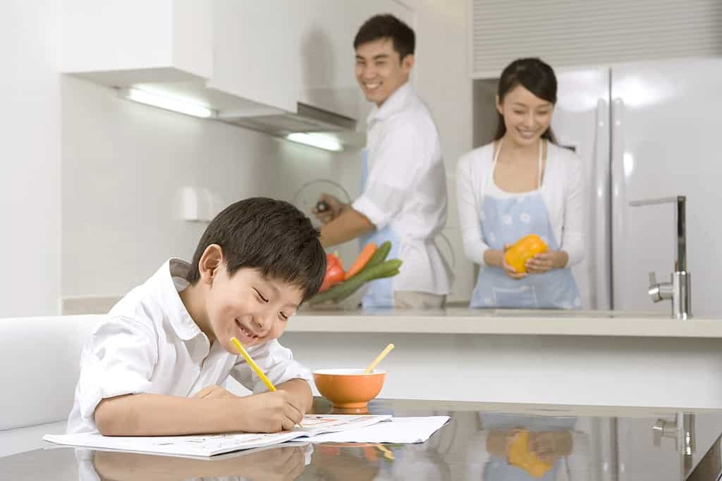 KUMON_How-to-Encourage-Independence-in-Your-Child_Article_Img.jpg